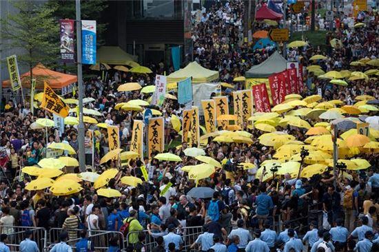 홍콩 법원, '우산 혁명' 지도자들에 최대 16개월 징역형