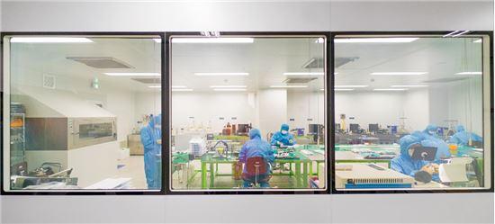 경기도 고양시 루트로닉센터 생산 시설