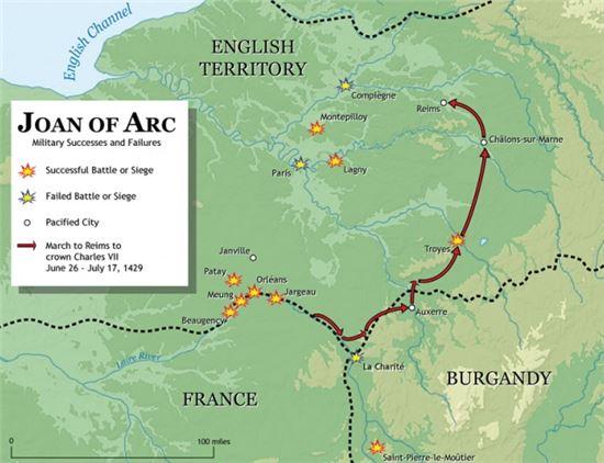 잔다르크의 진격로. 오를레앙에서 트루아를 거쳐 랭스까지 파리를 포위하기 위한 무모한 우회기동작전을 폈으며 잔다르크의 이 작전은 잉글랜드군의 허를 찌르게 된다(사진=위키피디아)