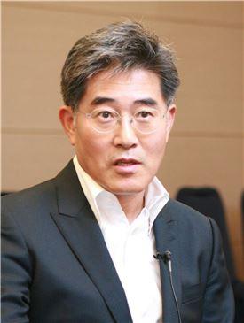 장동훈 김독