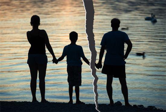 인공수정 자녀의 부모 이혼 시 친권에 대한 공방도 현재로선 법적 해석이 분분한 상황이다. 사진 = 아시아경제 DB