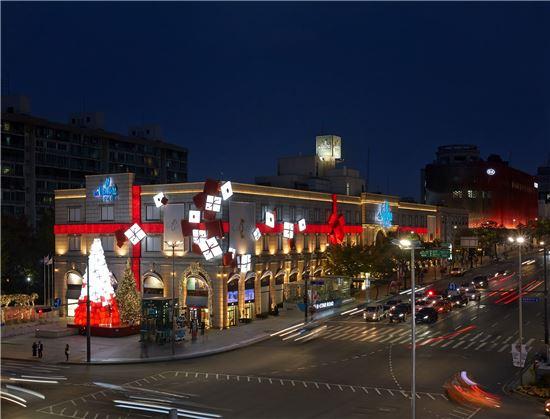 갤러리아명품관, 올해는 '까르띠에' 크리스마트 선물로 변신