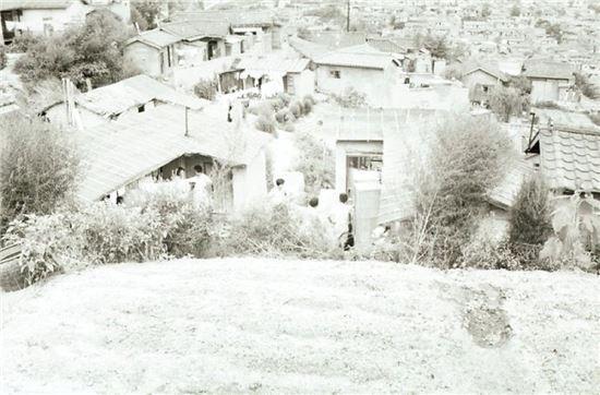 1967년 촬영한 남산 일대 무허가건물(자료:서울시)