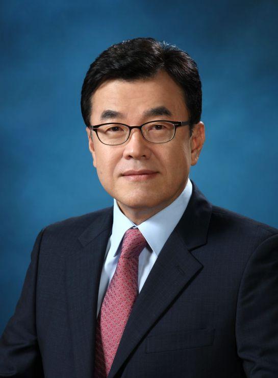 신동훈 교원그룹 사장