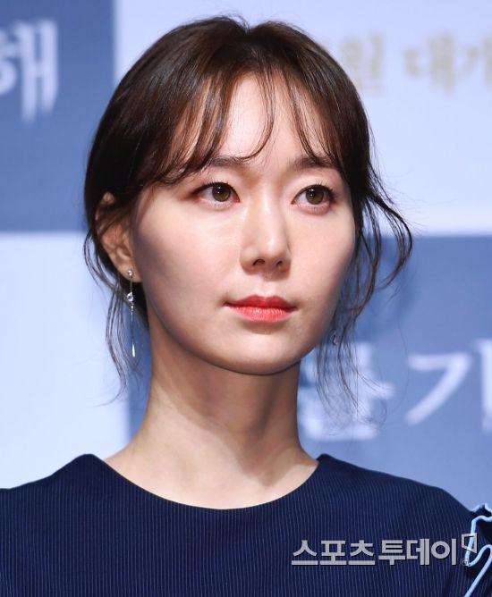 """이유영 SNS에 '죽고 싶다' 실수로 올려...""""심려 끼쳐 죄송"""""""