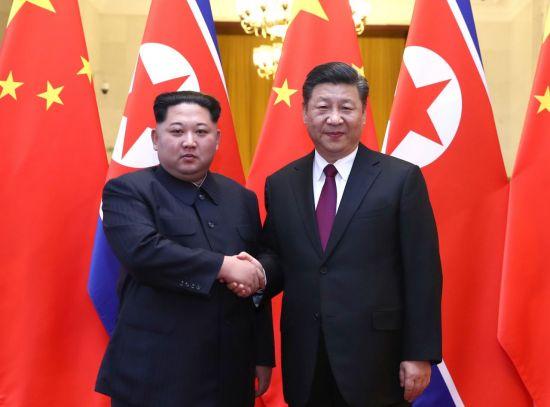 김정은 국무위원장(왼쪽)과 시진핑 중국 국가주석
