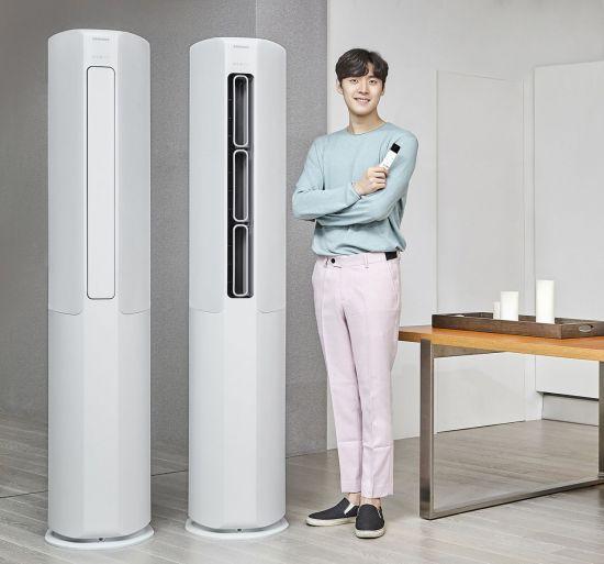 에어컨은 켰다껐다 하기보다 1~2시간 정도 켜두고, 23도 정도로 온도를 낮춰서 켰다가 26도로 온도를 높인 후 선풍기를 틀어 공기를 순환시키는 것이 가장 효율적입니다.[사진=아시아경제DB]