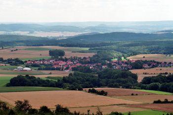 가축의 배설물을 모아 열병합발전 재료로 사용하는 생태마을인 독일의 윤데 마을.