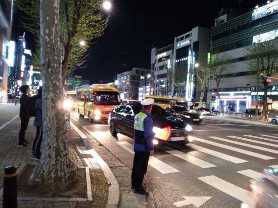 강남구, 지역 맞춤형 주차단속으로 교통흐름 개선
