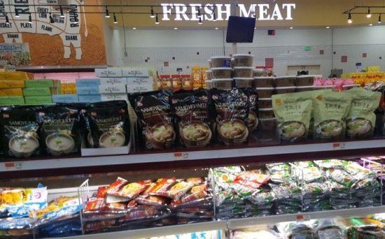 미국 내 슈퍼마켓에 진열된 마니커에프앤지의 삼계탕 (사진=아시아경제DB)