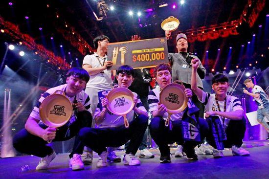 펍지 글로벌 인비테이셔널 2018 3인칭 시점 우승팀인 한국의 'Gen.G GOLD'