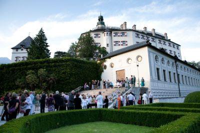 현존하는 최고의 르네상스-바로크 음악 페스티벌인 인스부르크 고음악 축제가 열리는 인스브루크의 암브라스성. (C) C. Gaio