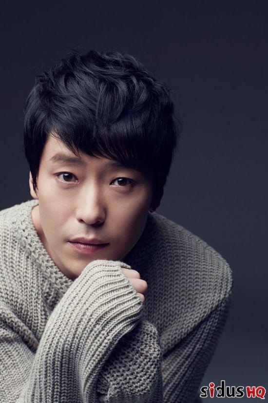 ▲ 연극 '아트'에 출연하는 배우 엄기준   © sidusHQ