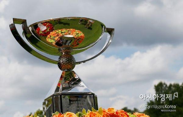 PO 최종 챔프는 대회 상금과 별도로 1500만 달러의 천문학적인 연금을 받는다.