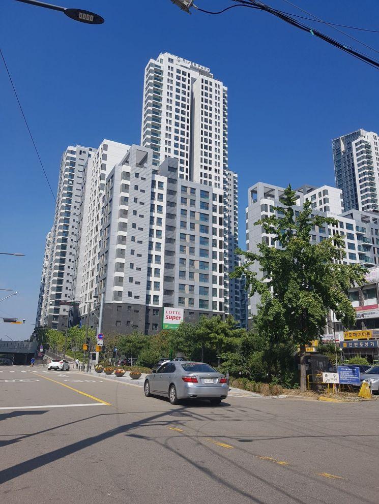서울 서초구 반포동 아크로리버파크