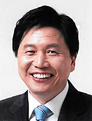김영대 서울시50플러스재단 대표, 성추행 혐의로 피소