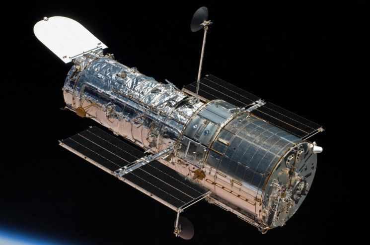 28세의 노익장을 과시하며 현역에서 활동 중인 허블 망원경의 모습. [사진=NASA]
