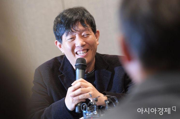 이재웅 쏘카 대표가 19일 서울 중구 은행연합회에서 열린 혁신성장 경제 라운드테이블에서 발언하고 있다. /문호남 기자 munonam@