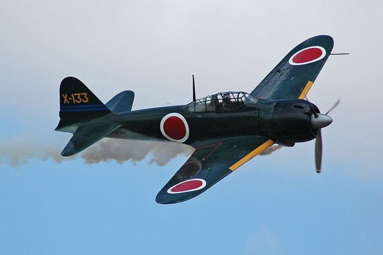 정식명칭은 '0식 함상전투기'로 일명 '제로센'이라 불리던 A6M 기종 전투기의 모습. 미쓰비시중공업이 1939년 제작, 2차대전 당시 악명을 떨쳤다.(사진=위키피디아)