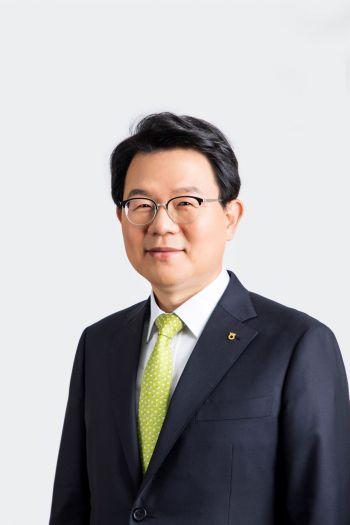"""[금융 디지털 뉴노멀]김광수 회장 """"계열사 간 시너지로 DT 가속도"""""""