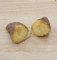 1. 고구마는 물에 씻어 찜통에 찌거나 오븐에 굽는다.
