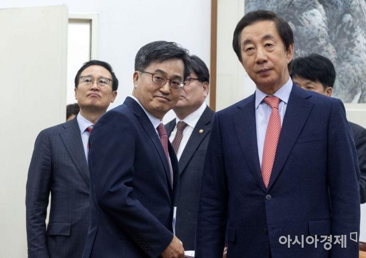 [포토] 예산안 합의 마친 민주당-한국당