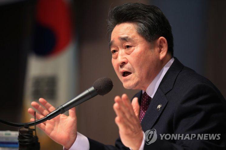 지만원 '늪'에 빠진 한국당 쇄신 이벤트