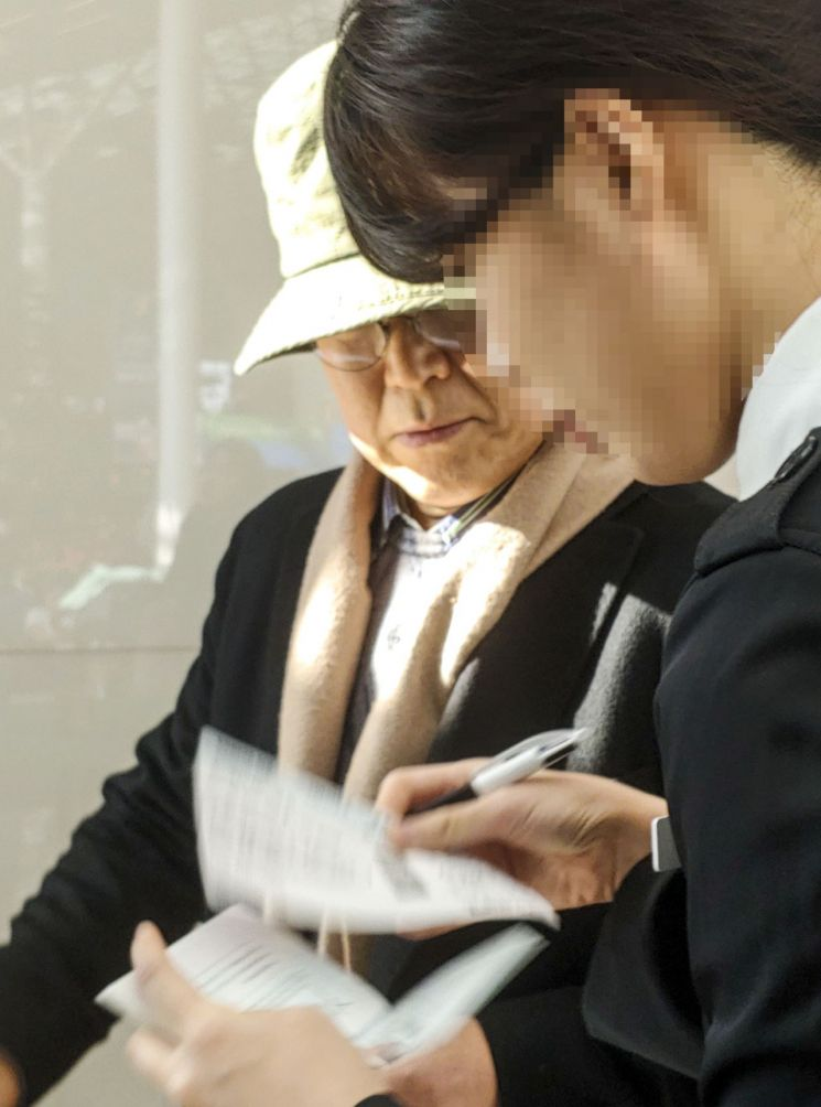 검찰, '김태우 폭로' 1000만원 수수·사기 우윤근 대사 무혐의