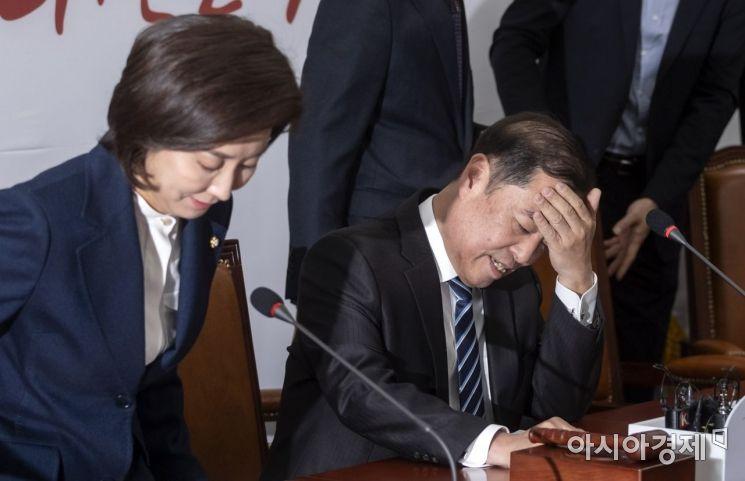 [포토] 골치 아픈 김병준 비대위원장