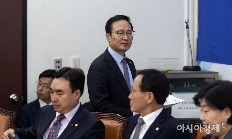 [포토] 굳게 입다문 홍영표 원내대표