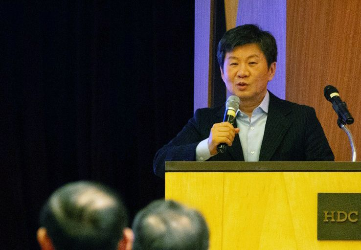 ▲정몽규 HDC 회장은 지난 3일 서울 강남구 삼성동 아이파크타워에서 열린 경영전략회의에서 계열사 대표이사 및 본부장들에게 사업 및 일하는 방식의 진화를 주문했다.