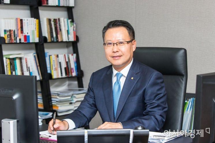 광주은행, 목포 중앙시장 화재 피해 상인에 2000만원 성금