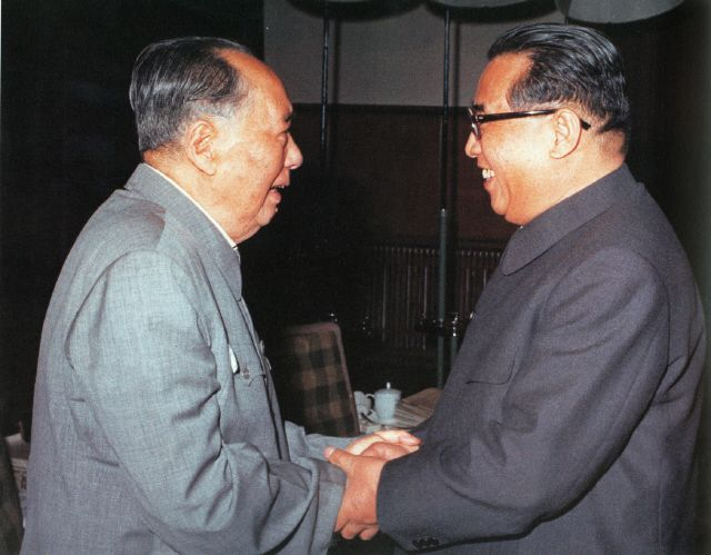 김일성 주석(오른쪽)과 모택동 주석