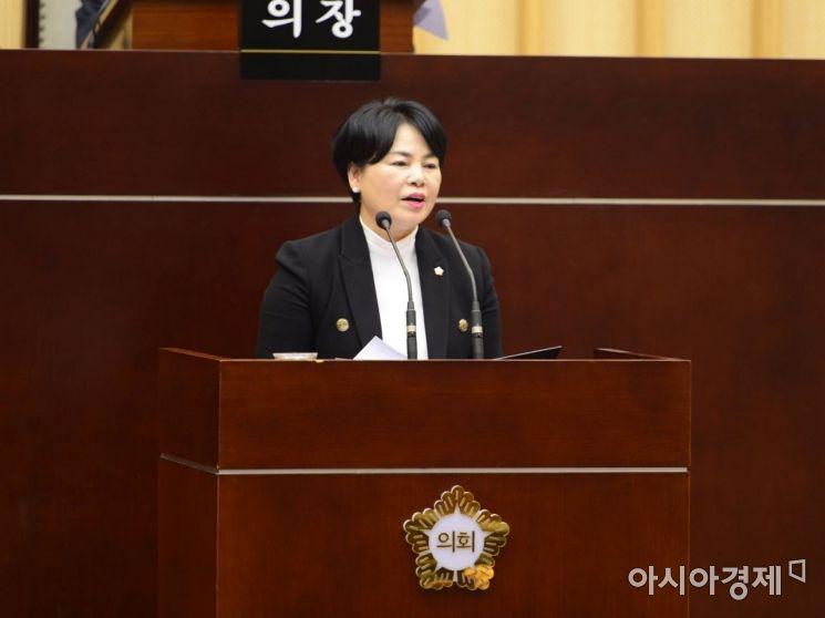 박영숙 광주 서구의원이 제271회 임시회 1차 본회의에서 5분발언을 하고 있다.   사진제공=광주 서구의회
