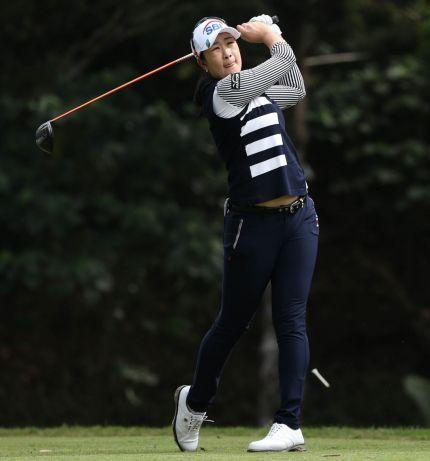김아림이 대만여자오픈 첫날 4번홀에서 티 샷을 하고 있다. 사진=KLPGA