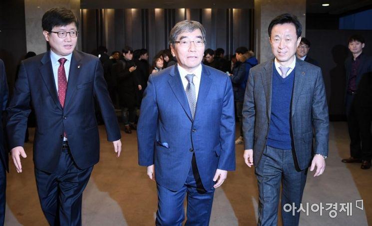 [포토] 여신금융권 CEO간담회 참석하는 윤석헌 원장