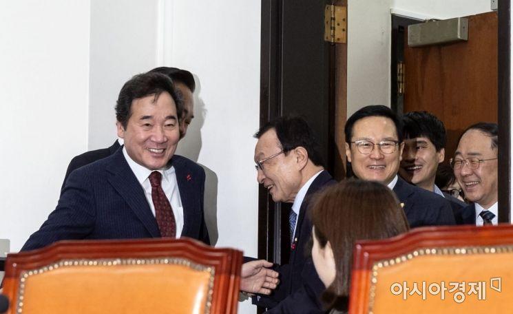 [포토] 활짝 웃는 이낙연 총리-이해찬 대표
