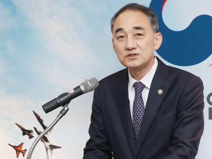 왕정홍 방위사업청장 (사진=연합뉴스)