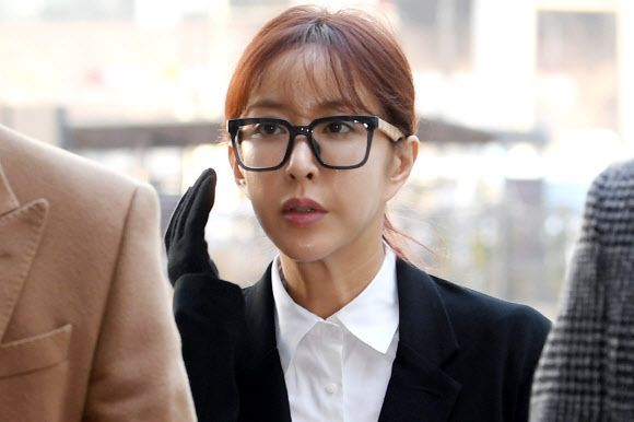 """'원정도박' 슈, 1심서 집행유예…""""사회적 질타 통해 늪에서 벗어나"""""""