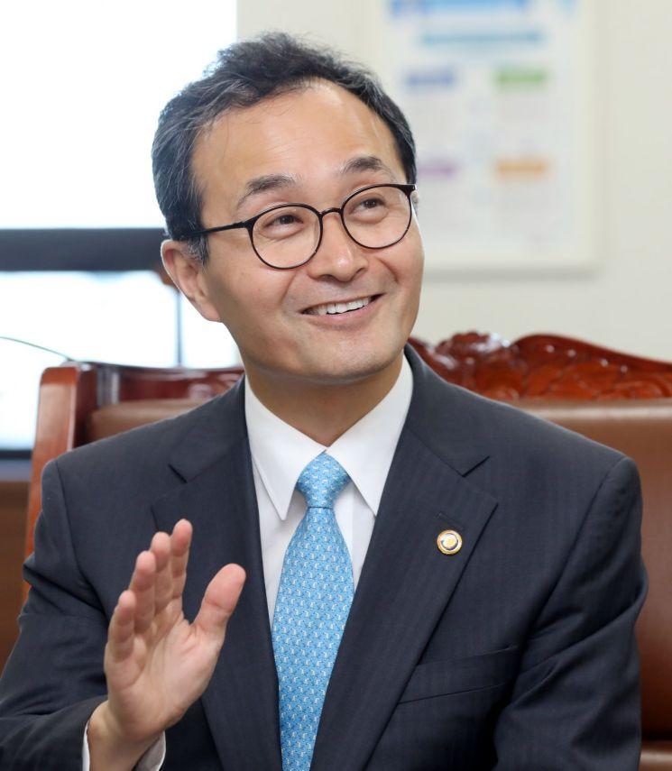 박원주 특허청장이 아시아경제와의 인터뷰에서 '2019년 특허청 업무계획' 추진방향을 소개하고 있다. 특허청 제공