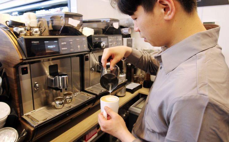 최저가 라면에 바리스타 커피…폭풍성장 이마트24, 차별화 올인