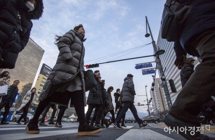 [포토]출근길 나선 직장인들