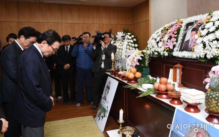 [포토] 고 김용균 빈소 찾은 이해찬 더불어민주당 대표