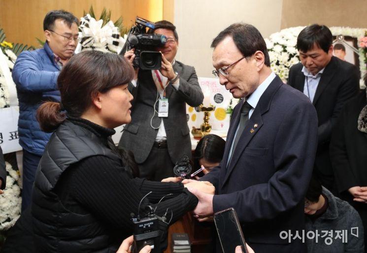 [포토] 김용균 빈소 조문하는 이해찬 대표