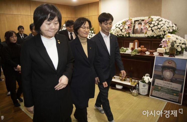[포토] 고 김용균 빈소 조문 마친 정의당 의원들