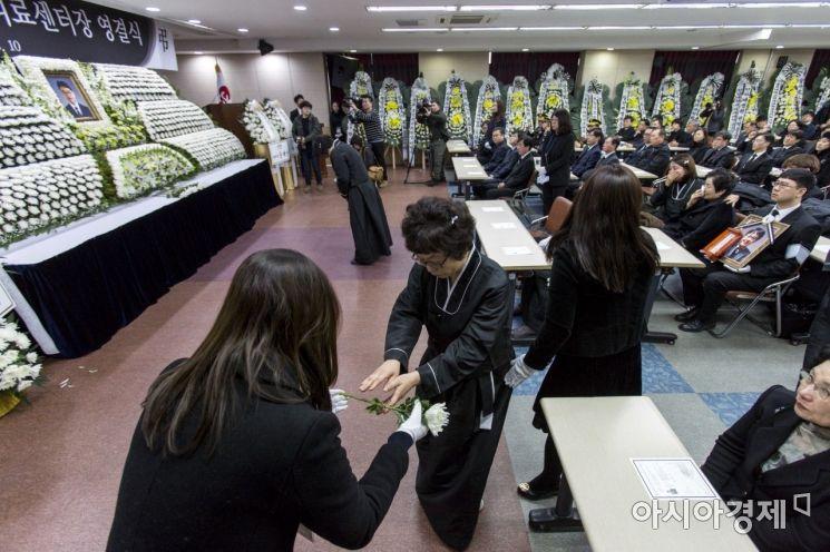 [포토] 故 윤한덕 중앙응급의료센터장 마지막 길