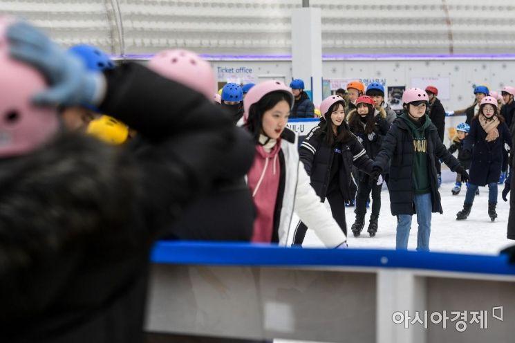 [포토]52일간 운영된 서울광장 스케이트장 오늘 폐장