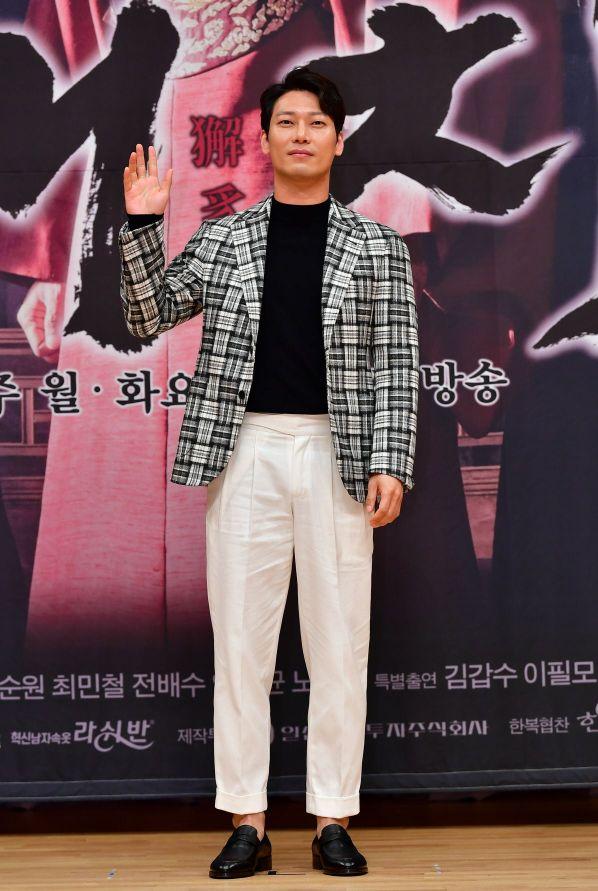 '해치'에서 달문 역을 맡은 배우 박훈. 사진=SBS