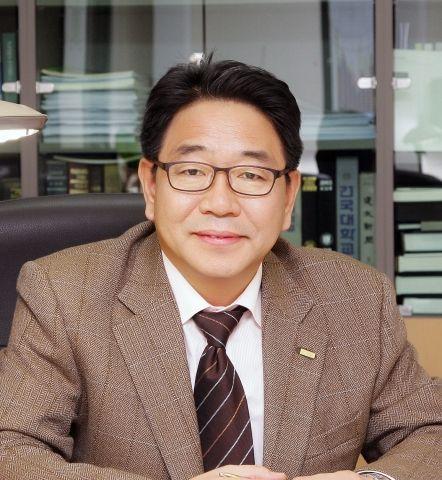 윤병선 건국대학교 교수