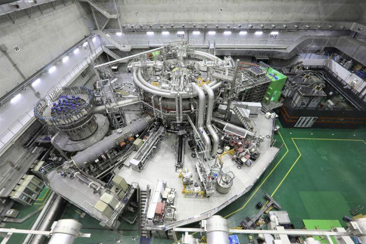 초전도핵융합연구장치 KSTAR 모습